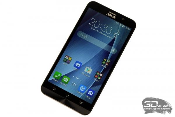 ASUS Zenfone 2 со включенным экраном
