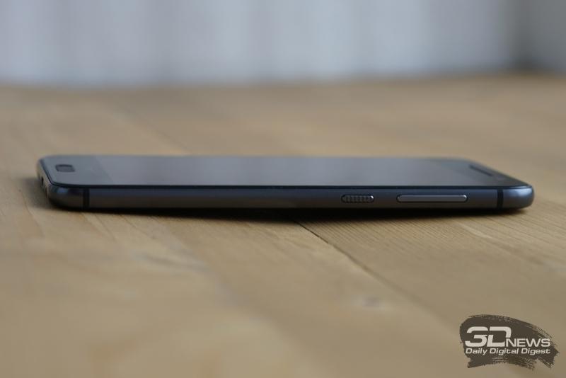 HTC One A9, правое ребро: здесь две клавиши – включения/блокировки и качелька громкости