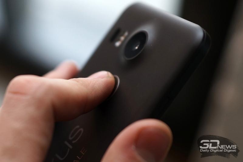 Google Nexus 5X, cканер отпечатка пальца