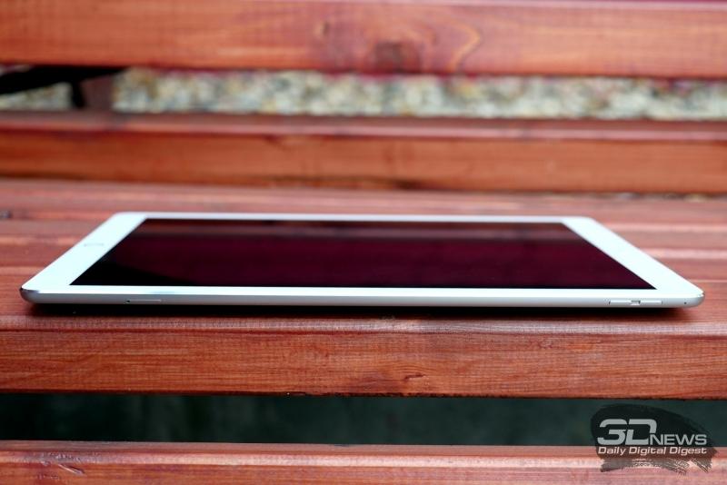 Apple iPad Pro, правое ребро: слот для Nano-SIM, две кнопки регулировки громкости