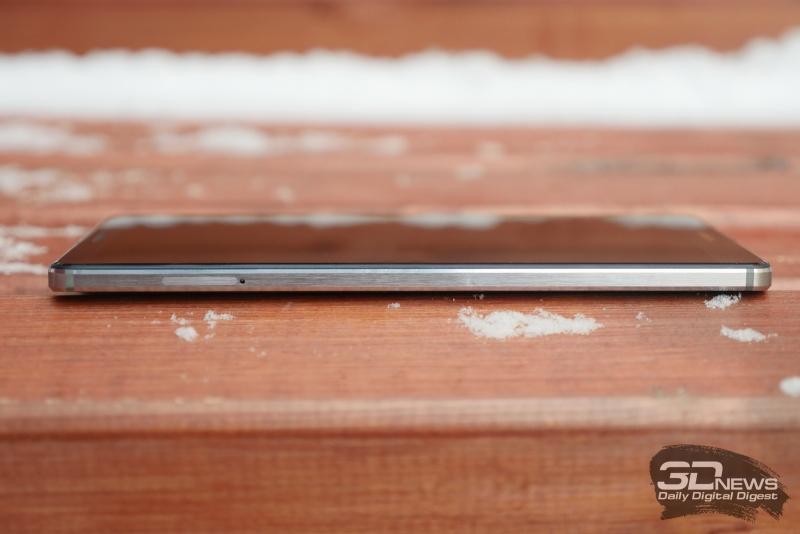 Huawei Mate 8, левая грань: единственный слот для nanoSIM-карт и карточки microSD