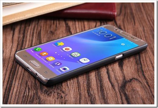 Защитные чехлы для Samsung Galaxy J510