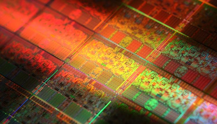 Intel: чипы Core восьмого поколения покажут прирост быстродействия на 15%