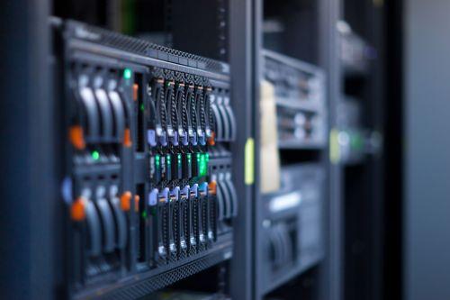 Чем лучше выделенный сервер?