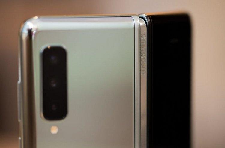 iFixit назвала возможные причины проблем с дисплеем Galaxy Fold
