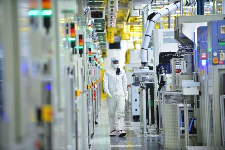 Intel уволила сотни IT-администраторов