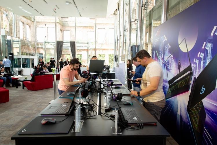 ASUS ROG RE:DEFINE 2019: флагманские ноутбуки вступают в бой