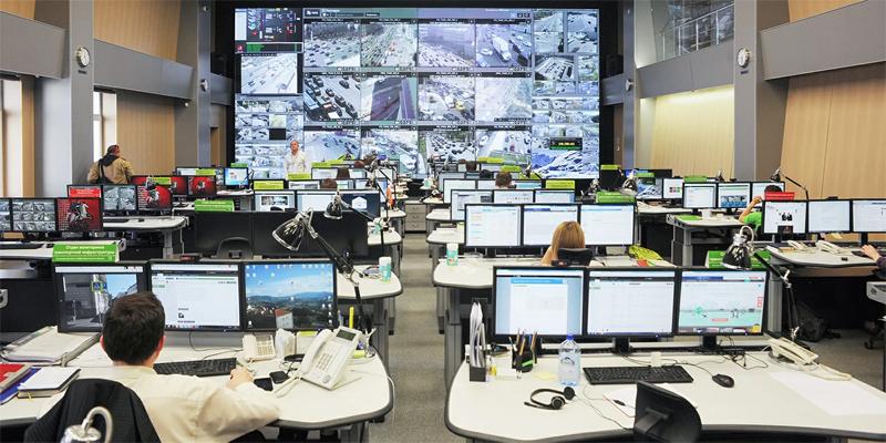 Созданная при участии ДИТ Москвы инфраструктура позволяет вести пристальное наблюдение за всеми жителями столицы (источник фото: mos.ru)