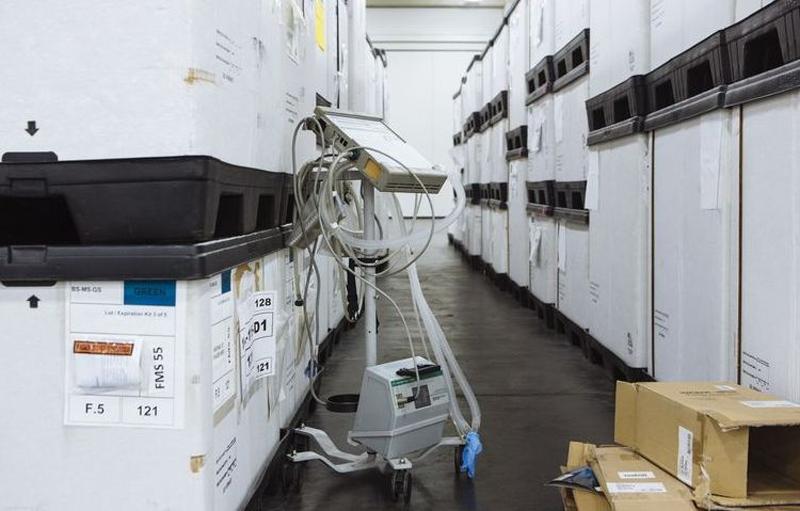 Подрядчик Apple наладит производство аппаратов искусственной вентиляции лёгких (источник изображения: Bloomberg)